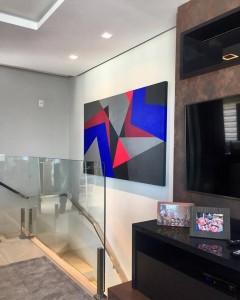 Boomerang 113x187 cm em ambiente assinado por Tamara Gomides da Traço Arquitetura