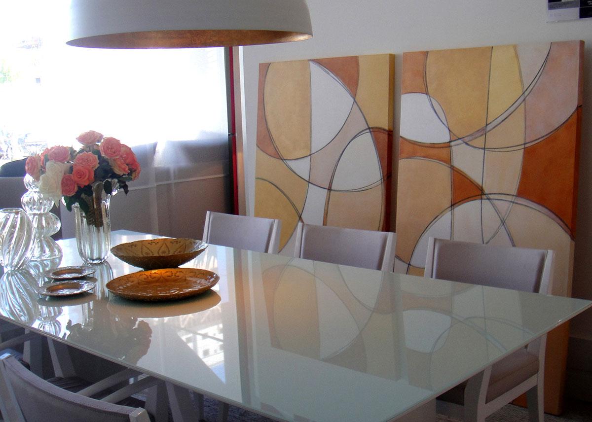 Joias da Coroa 160x190 cm em acrílico sobre tela da artista plástica Fabiana Langaro Loos em ambiente das arquitetas Suâmi Pedrollo e Simara melo na Mostra 4 Elementos