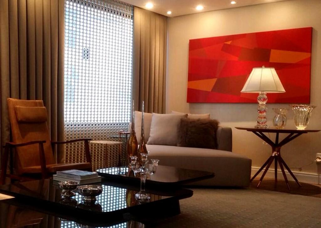 Obra New York, New York 100 x 180 cm da artsita plástica Fabiana Langaro Loos e mambiente assinado pelo decorador Érico Luiz Conceição