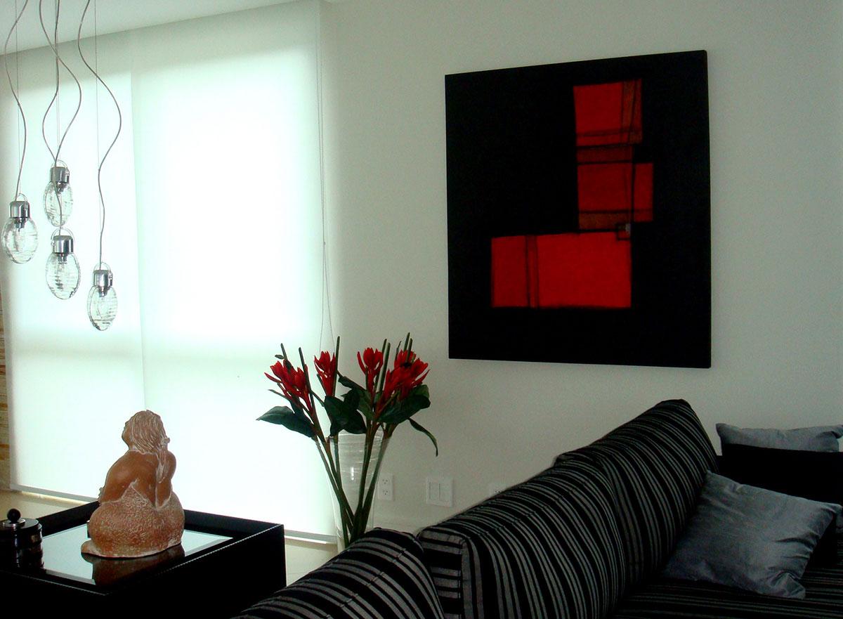 Obra da artista plástica Fabiana Langaro Loos em ambiente assinado por Junior Schmitt e Salvio Junior do escritório CASAdesign Interiores em Bombinhas