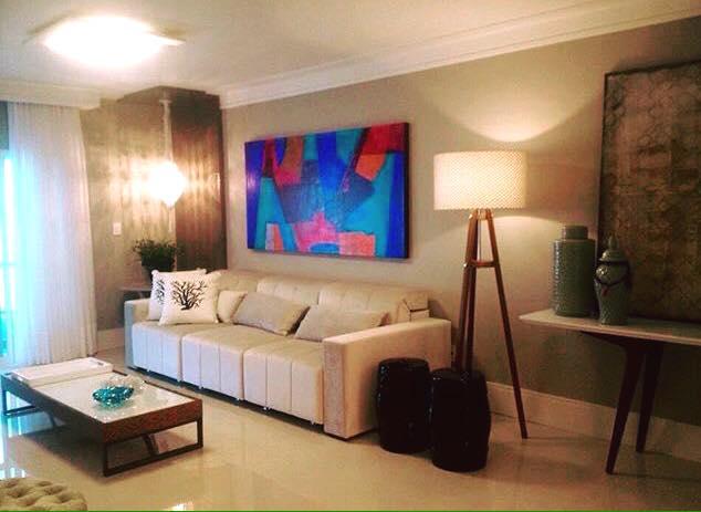 Obra de arte Set Your Controls (mista sobre tela - 100x200 cm) de Fabiana Langaro Loos no belo ambiente assinado por Anabela Becker, com móveis e decoração da Artezanalle.