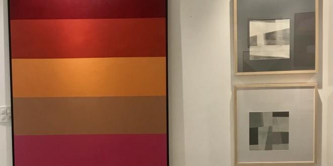 Obras de arte em diversas cores