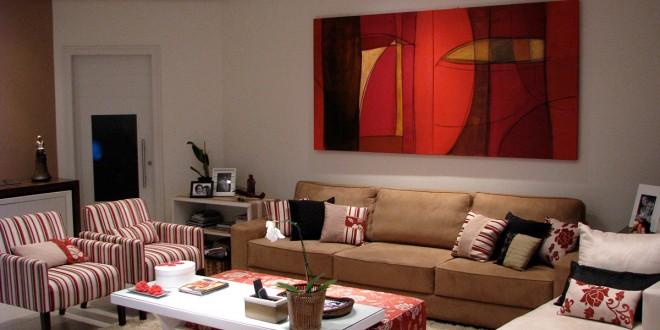 Sala de estar com cores quentes